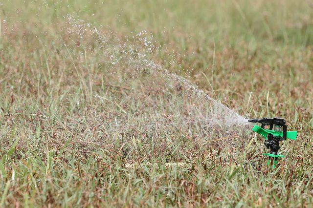 1280px-irrigational_sprinkler
